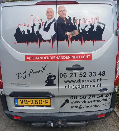 Achterkant bus DJ-ArnoX  2021