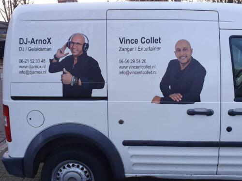 DJ-ArnoX en Vince Collet  Bedrijfsbus
